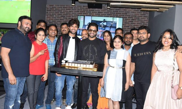 Southern Star Allu Arjun threw a lavish party for Team Taxiwala