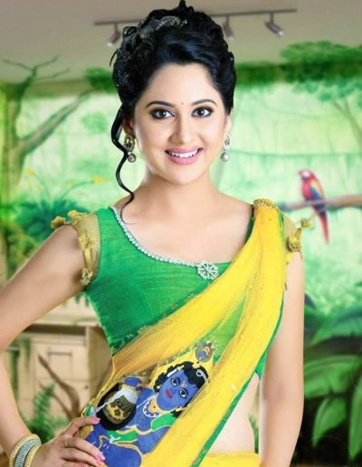 Miya-George-hot-in-yellow-saree