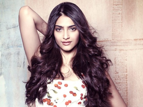 Sonam Kapoor Biography | Age, Height, Weight, Movies, Photos and Social